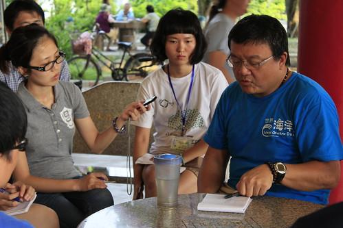 環境資訊協會辦理的環境新聞寫作採編營期間,安排學員到彰濱海岸參訪,並分批訪談地方環保行動者、居民與學者。
