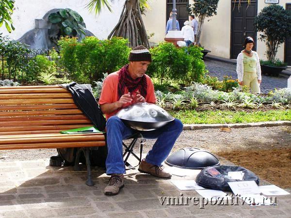 Уличный музыкант - Тенерифе