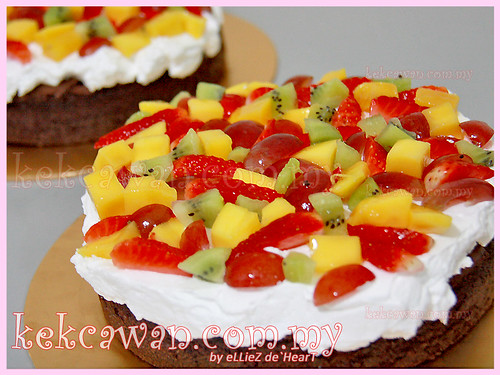 Chocolate Sponge Cake with Fresh Fruit & Fresh Cream
