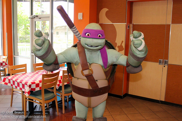 Antonio's Pizza-Rama Dinner with the Teenage Mutant Ninja Turtles!