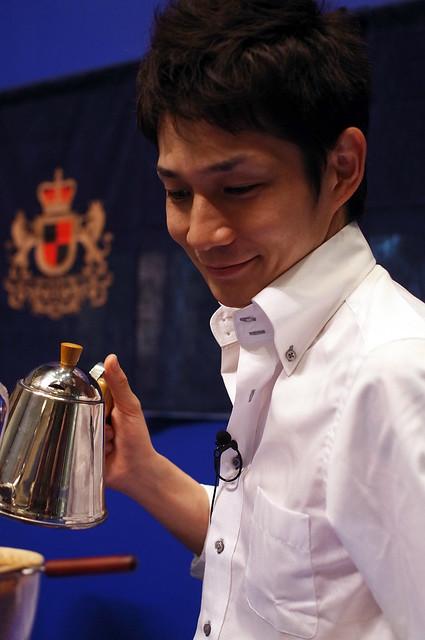 鵜飼紀彦さんGEORGIA-EUROPEAN-Coffee-Mr-UKAI-R0022069