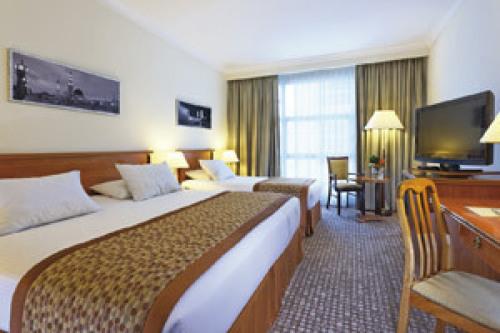 Moevenpick-room-Hotel-Travel-haji-lus-umroh-fajar-berkah-ilahi