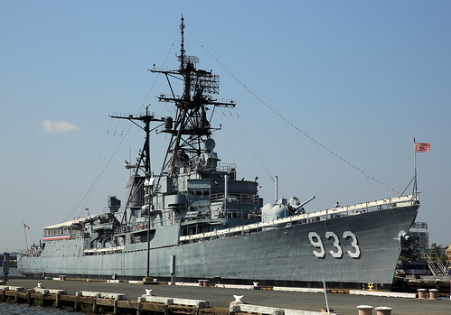 USS Barry DD-933