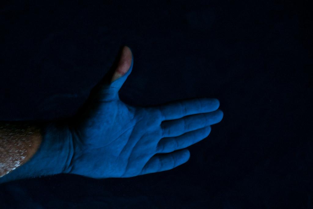 Efecto de luz en la Cueva Azul, Grecia. Foto: Zsolt Fila