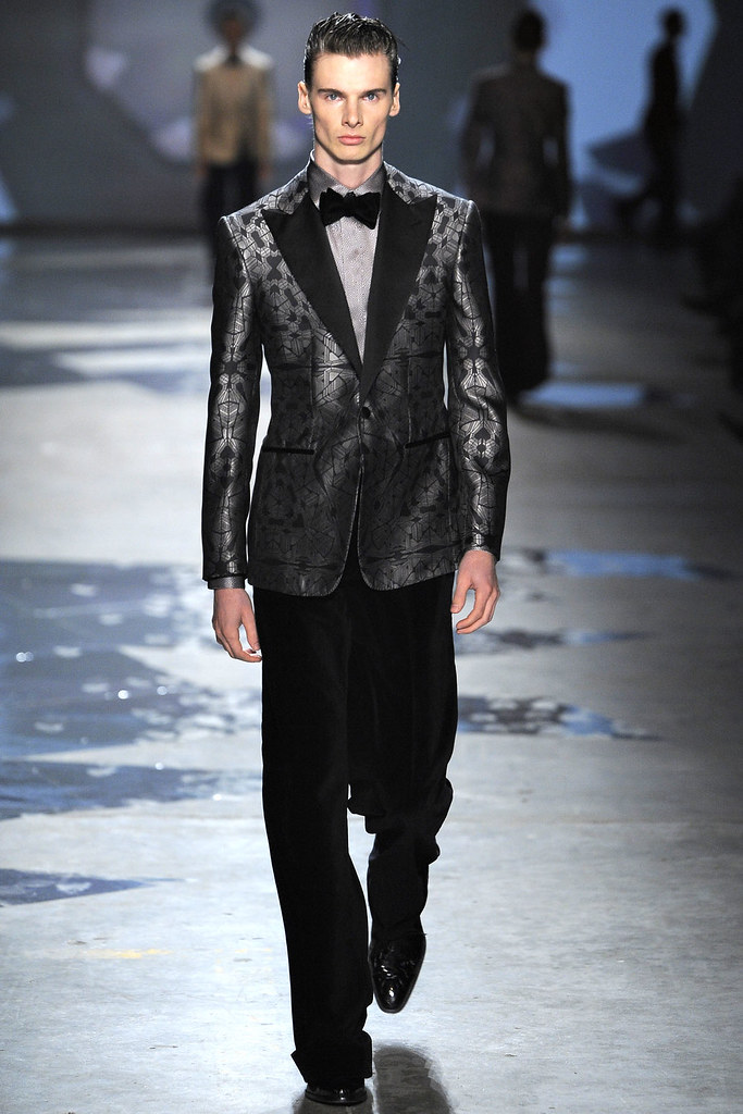Angus Low3013_FW12 Milan Hardy Amies(VOGUE)