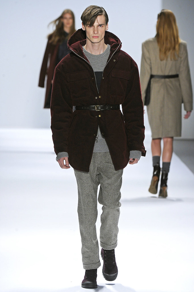 Angus Low3035_FW12 NY Richard Chai(VOGUE)