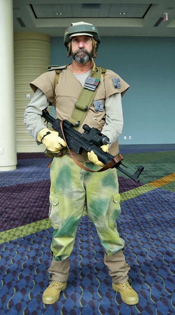 "NUOVO 1999 Hasbro Star Wars Episodio I ELETTRONICO QUI-GON JINN 12/"" Action Figure"