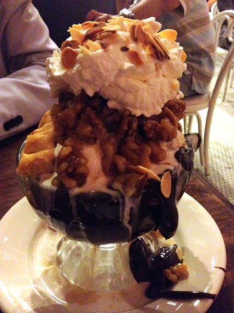 serendipity 3 pecan pie sundae | Flickr - Photo Sharing!