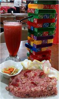 Nasi Goreng Strawberry dan Jus Susu Strawberry
