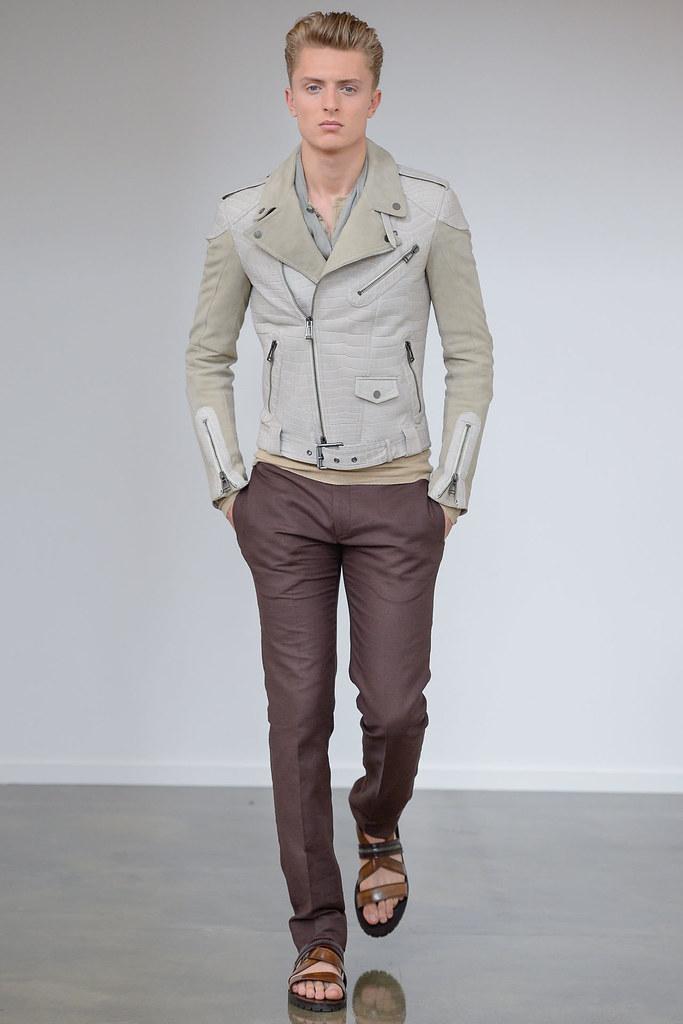 Max Rendell3064_SS13 Milan Belstaff(VOGUE)