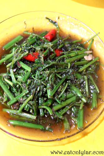Pucuk Paku Belacan, Restoran Vicchuda Tomyam & Seafood