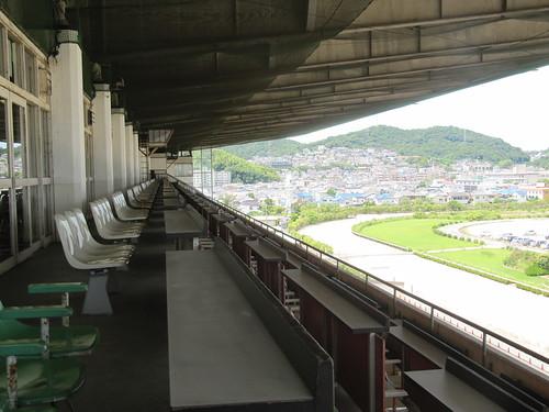 姫路競馬場の5階席
