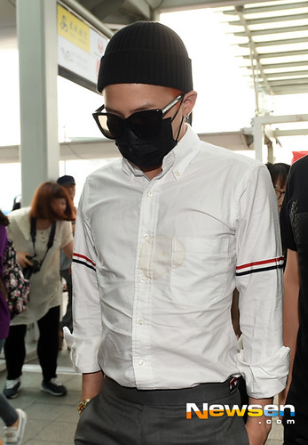 BIGBANG Incheon Airport to Shanghai Press 2015-06-19 058