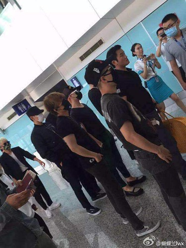 Big Bang - Dalian Airport - 26jun2015 - lwx - 01