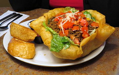 Taco Salad with garlic bread