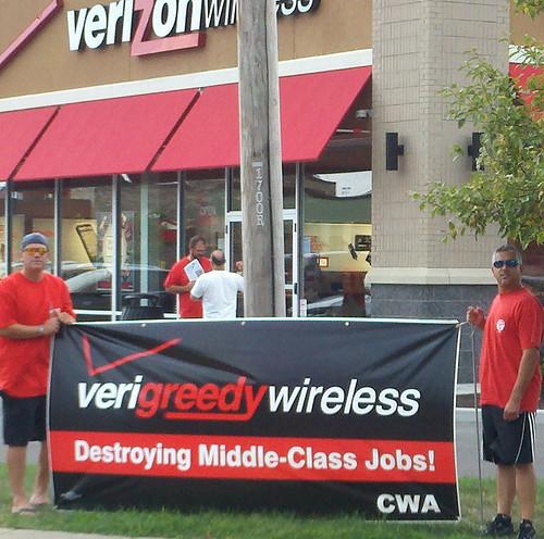 4-Verizon_Wireless_Action