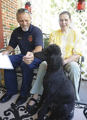Nancy Jones Talladaga, Alabama Pooh the Poodle Saves Blind Woman from Gas leak