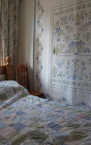 käsityöt: quilt, cross stitch by Anna Amnell