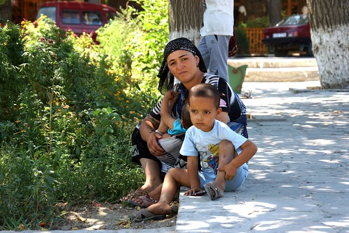Portraits of Bukhara, young mother with children