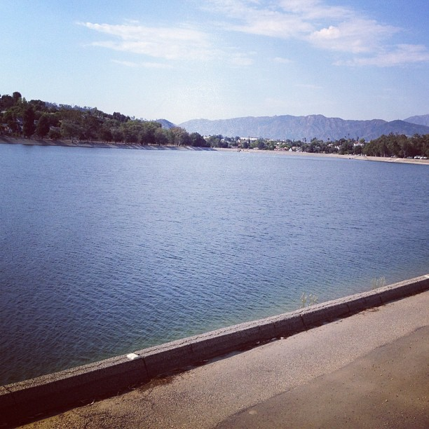 On days like this, it's a crime that the Silver Lake Reservoir's not swimmable.