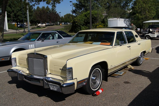 79 lincoln continental town car flickr photo sharing. Black Bedroom Furniture Sets. Home Design Ideas