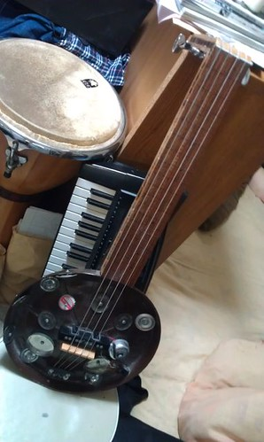 Homamade Fretless Baritone Guitar,2 by Kanda Mori
