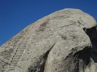 Изображение на Volo dell'Angelo. italy castle rock stairs italia fort basilicata potenza scala roccia castello fortezza lucania castelmezzano normanni volodellangelo