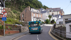 Arriva Wales 912 on route 19 in Llandudno, about to drive up a road unsuitable for buses!
