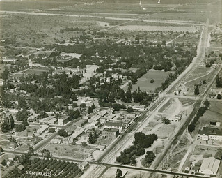 Aerial photo of Claremont (1909)
