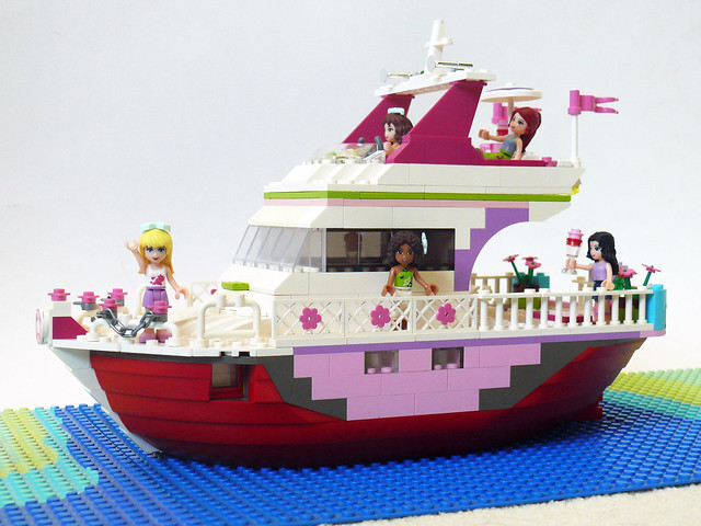 Lego Friends Cruise Ship Inside  Galleryhip  The