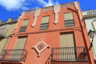 Casa carrer Raval, Torrelles de Foix.