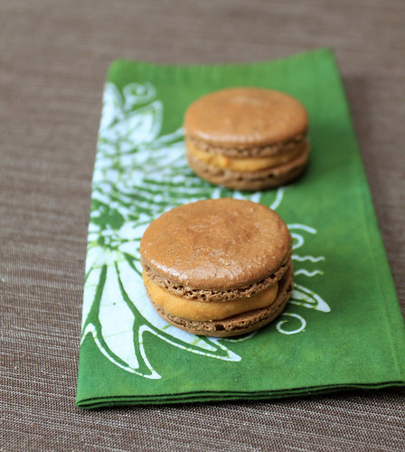 Chocolate Macaroons With Chocolate Or Caramel Filling Recipes ...
