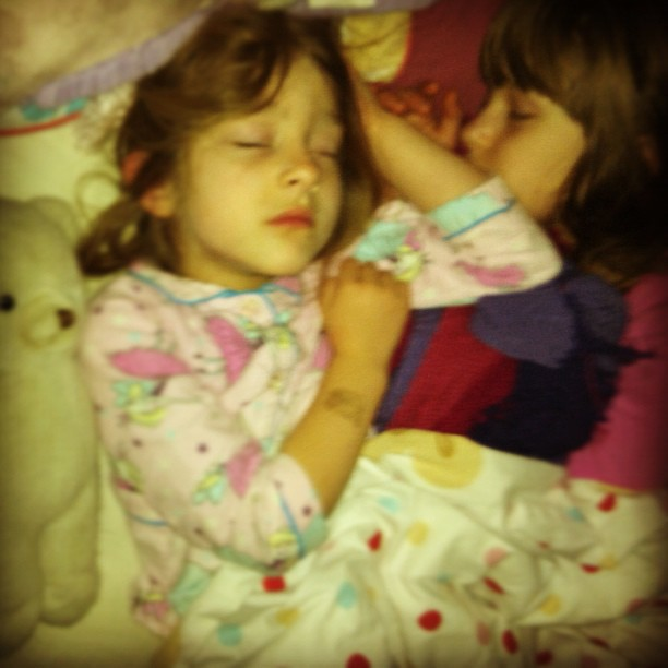 Snuggling into each other #cosleeping #owlets #lovethem