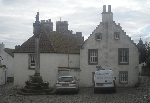 Town square, Culross