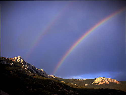 sunlight mountains mamiya film rain mediumformat landscape rainbow slide crimea tpc fujivelvia100f пейзаж горы крым радуга mamiya645afd laspi ласпи плёнка tpcu14 tpcu14l4