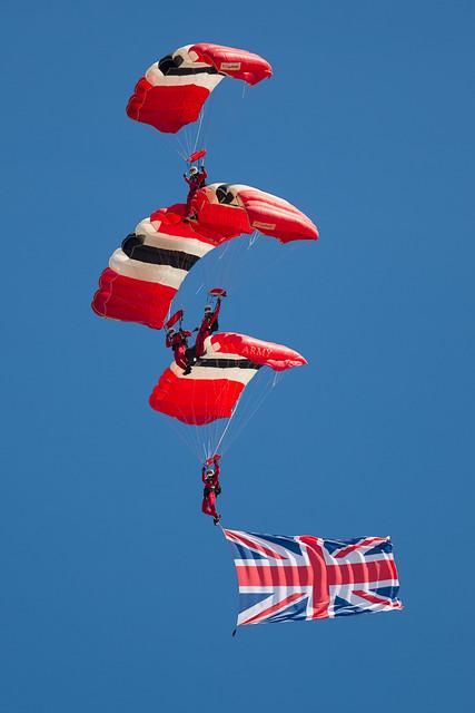 meet the red devils parachute regiment logo