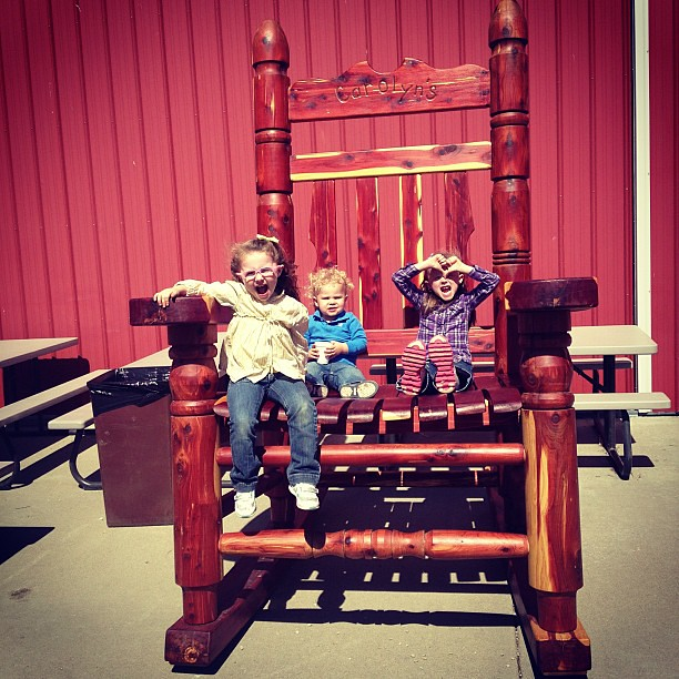 Giant rocking chair!! #pumpkinpatch