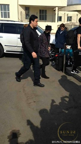 Big Bang - Harbin Airport - 22mar2015 - Tae Yang - SUNANDUS - 02