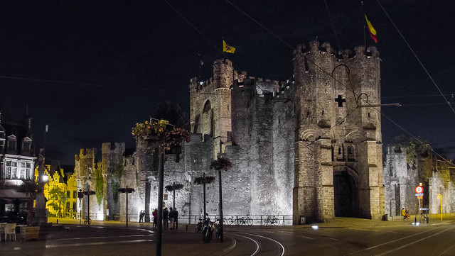 Gravensteen by CC user ed_webster on Flickr