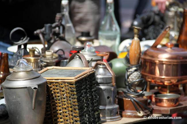 Mercadillos semanales asturias mercados de artesan a - Mercadillo antiguedades ...