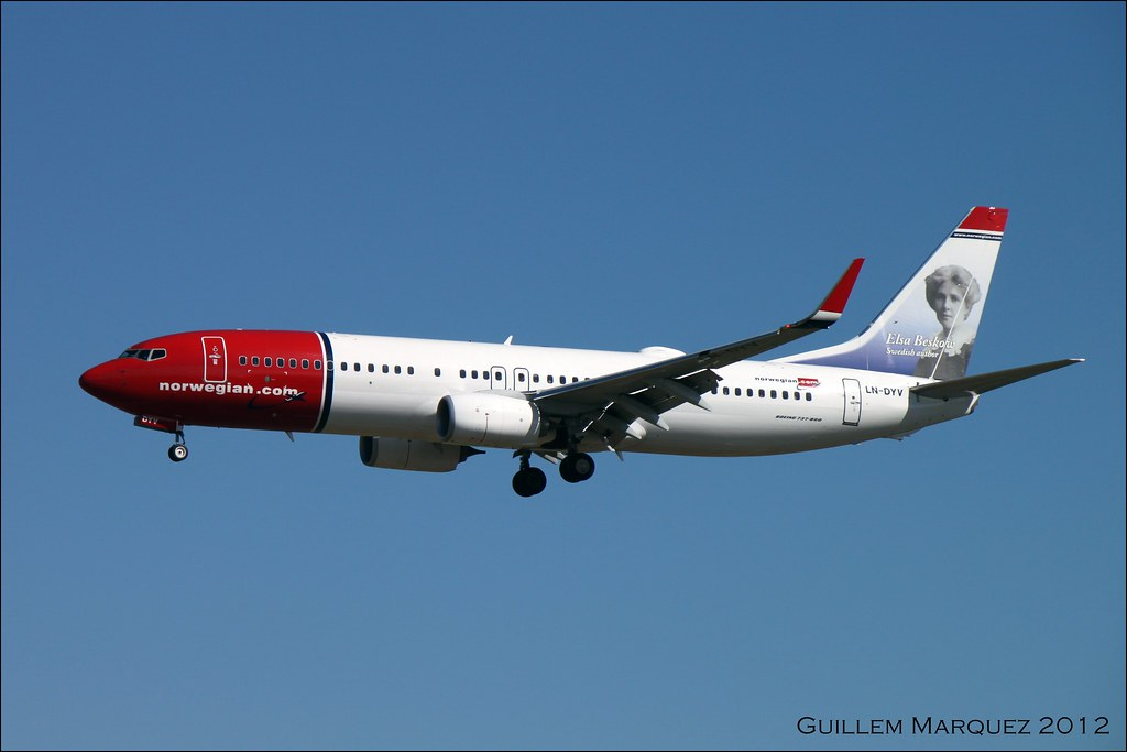 LN-DYV - B738 - Norwegian