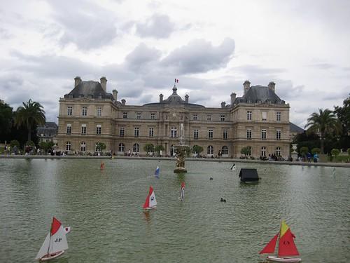 Xardín de Luxemburgo (París). Senado