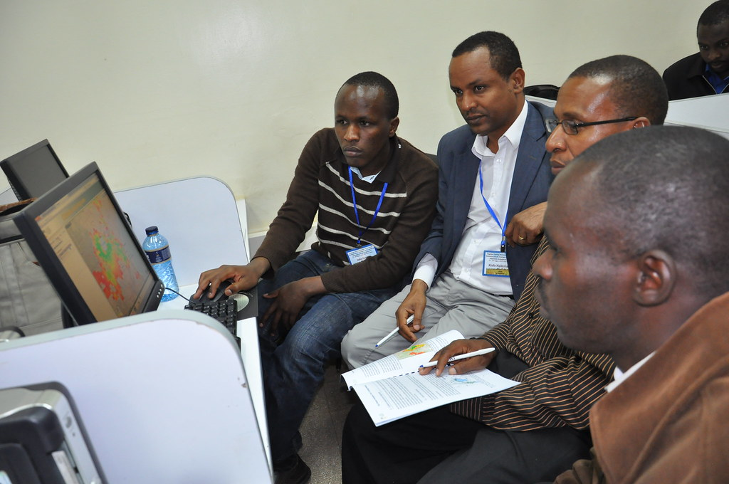 Participants in August's CCAFS workshop in Nairobi, Kenya, learn to use the Climate Analogues online tool to help plan for adaptation to climate change. Photo: O. Thiong'o (CCAFS).