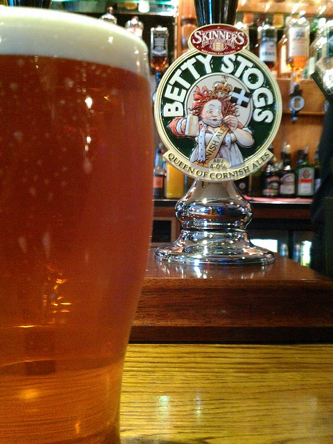Betty Stogs Skinners Ale