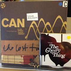 Två av årets bästa plattor finns att låna. Can och The Thing m Neneh Cherry. In och låna!