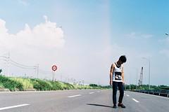 [フリー画像素材] 人物, 男性, 道路・道, 男性 - アジア ID:201209240400