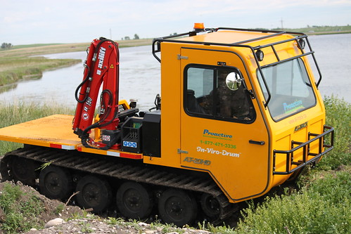 compact tracked utility vehicle