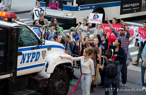 Protesters Glitter Bomb an NYPD Truck - Courtesy of Zach D. Roberts, zdroberts.com