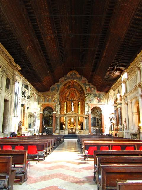 INTERNO CHIESA DI SAN FERMO MAGGIORE