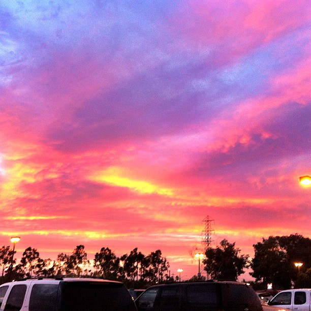 Sunset tonight before the @LAGalaxy game. Husband's friend thought I was taking a picture of our parking stall. Ummm no!